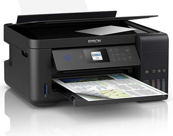 Der aktuelle Tintenstand beim Epson EcoTankET-2750 Multifunktionsdrucker lässt sich rechts unten am Gehäuse ablesen