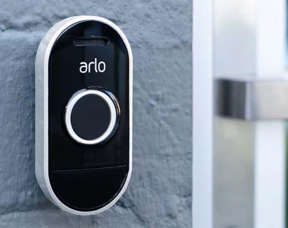 Lässt sich einfach installieren: die intelligente Türklingel Arlo Audio Doorbell