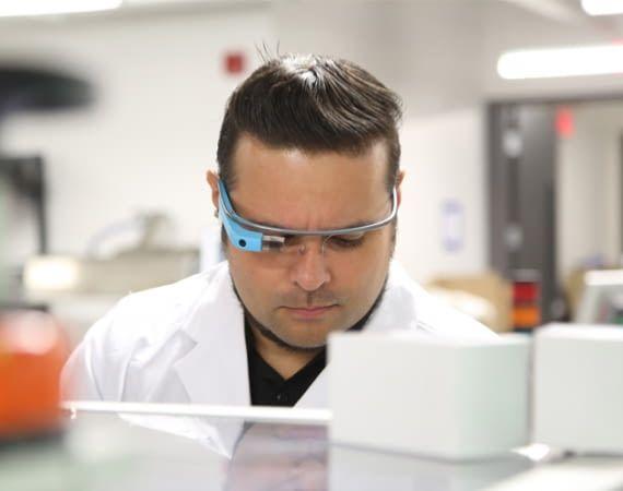 XpertEye ist eine innovative Videokonferenzlösung mit ungewöhnlichen Datenbrillen