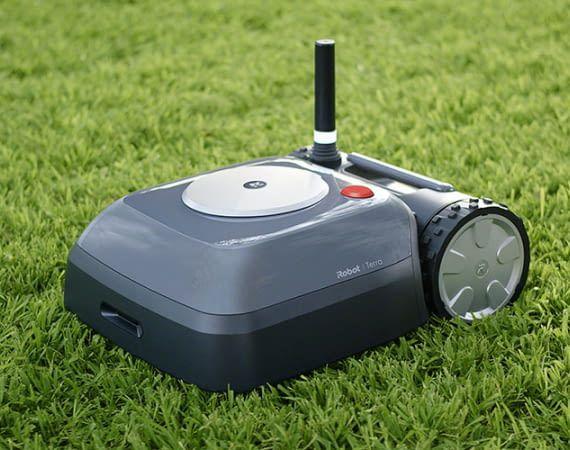 Über die Antenne kommuniziert iRobot Terra mit dem Funknetzwerk und der App
