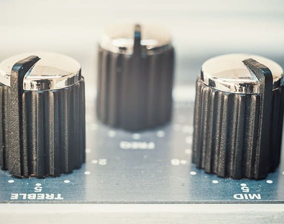 Dank neuer Equalizer-Funktion lassen sich Bässe, Mitten und Höhen des Echos jetzt regeln