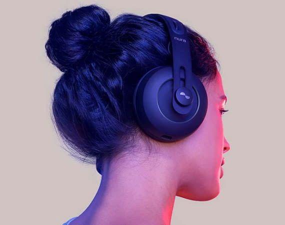 Der Nura Nuraphone Kopfhörer ist ein Hybrid aus In-Ear- und Over-Ear-Kopfhörer