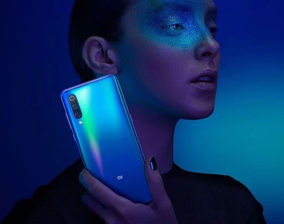 Das Xiaomi Mi 9 bietet Premium-Ausstattung zum Preis eines Mittelklasse-Smartphones