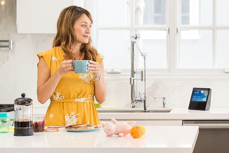 Mit dem Alexa Skill Stream Player wird Echo Show zum Küchenfernseher
