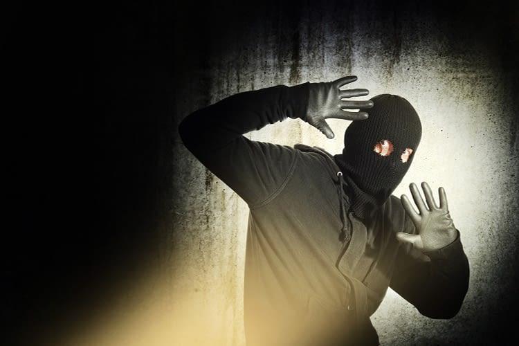 Smarte Sensoren verjagen Einbrecher, bevor sie das Haus betreten