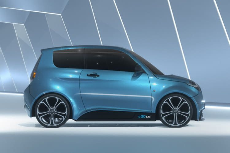 Das Elektroauto e.GO Life bietet trotz seiner Kürze 4 Sitzplätze - mehr als ein Smart Electric Drive.