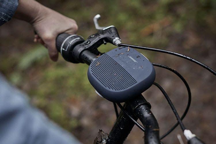 Bluetooth-Lautsprecher BOSE SoundLink Micro liefert den Soundtrack zur Fahrrad-Tour