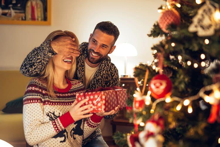 Mit dem richtigen Geschenk wird es eine freudige Überraschung