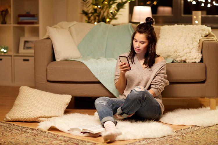 Mit einem Smartphone können wir die Lichtstimmung jederzeit ändern