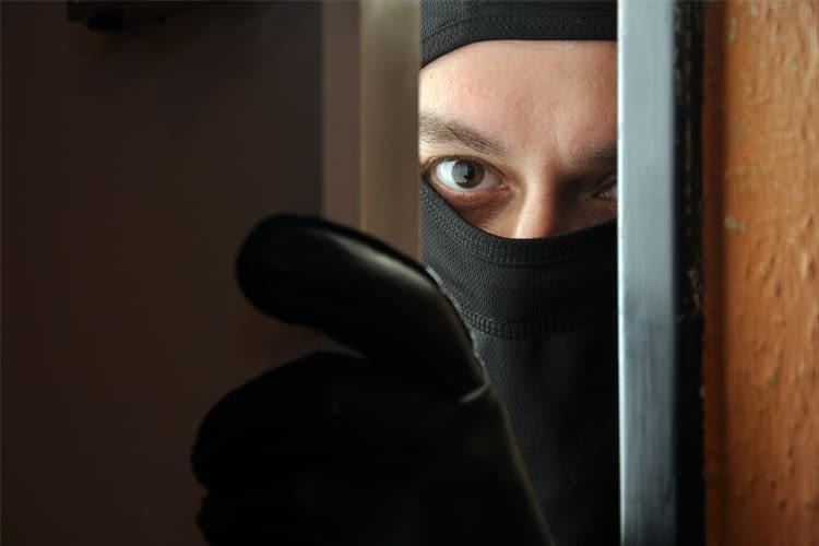 Mit einer vernetzen Alarmanlage haben Einbrecher keine Chance