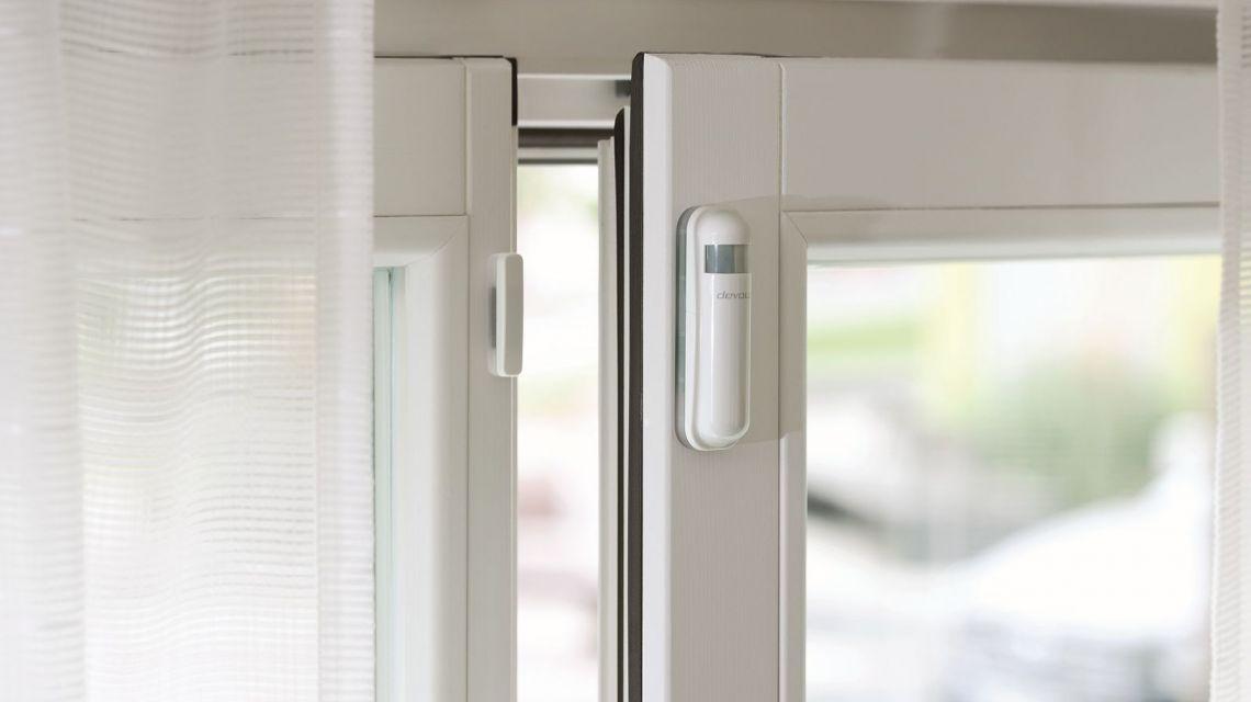 Mit Devolo home Control setzen Sie Einbrecher vor die Tür