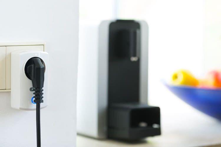 Mit einem ABUS-Zwischenstecker sind z. B. Lampen integrierbar