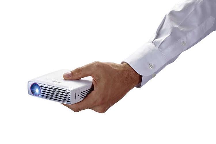 Der Mini-Beamer Philips PicoPix PPX 4835 hat eine native Auflösung von 1.280 x 720 Pixeln