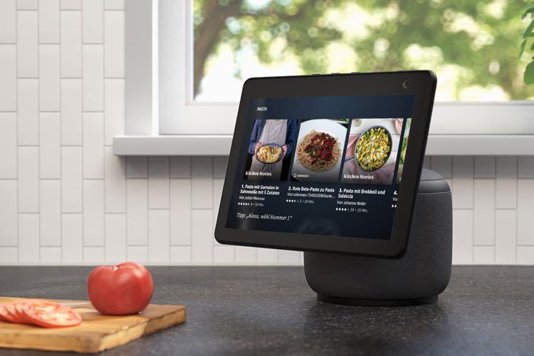 Echo 10 dreht seinen Bildschirm samt Kamera immer in Richtung seiner Nutzer