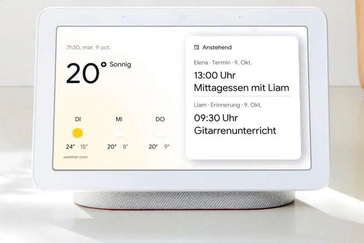 Google Nest Hub bietet auf seinem 7 Zoll Touch-Display auch visuelle Informationen und Videostreaming