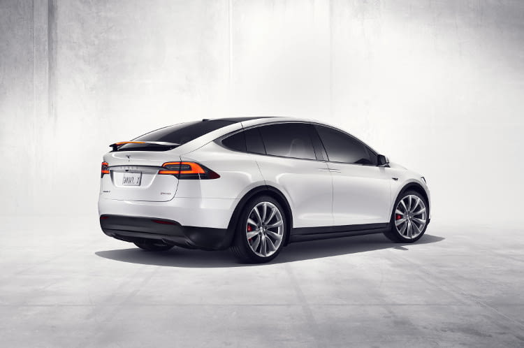 Der Kaufpreis endet bei einem vollausgestatteten Model X P100D bei satten 176.300 Euro