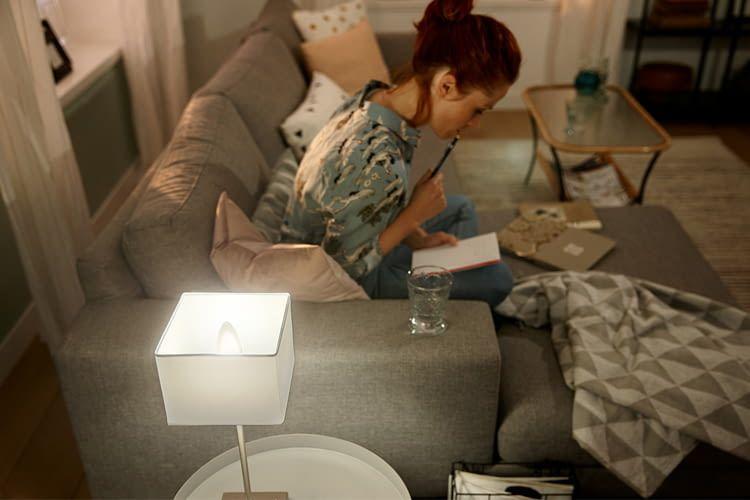 Um weitere Lampen einzuschalten, muss man nicht unbedingt aufstehen oder zum Handy greifen
