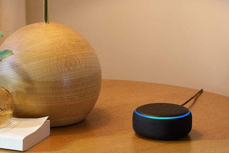 Amazon Echo Dot 3 mit Leuchtring und Stoffummantelung