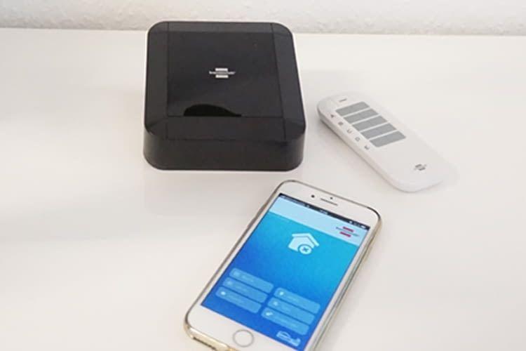 Mittels Smartphone-App oder Funk-Fernbedienung steuert der Nutzer alle Komponenten über das BrematicPRO Gateway