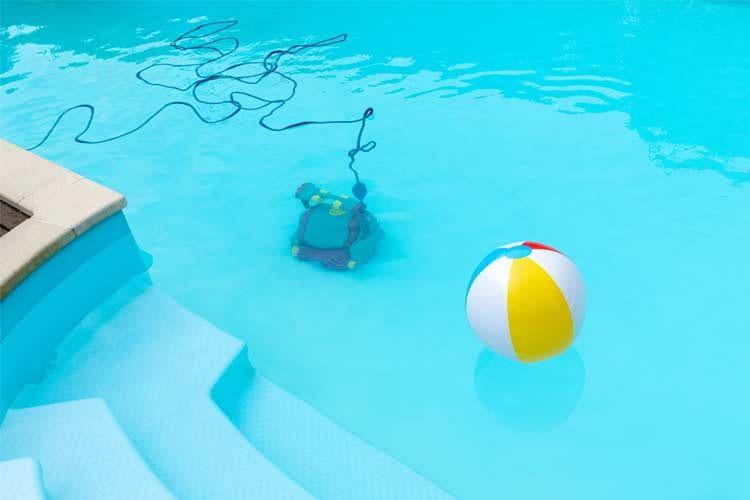 Je nach Wassermenge und Beckenbauform stehen verschiedene Robotertypen zur Auswahl