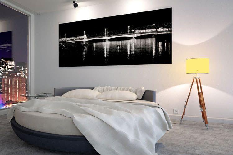 Besonders praktisch ist die intelligente Lichtsteuerung im Wohn- und Schlafzimmer
