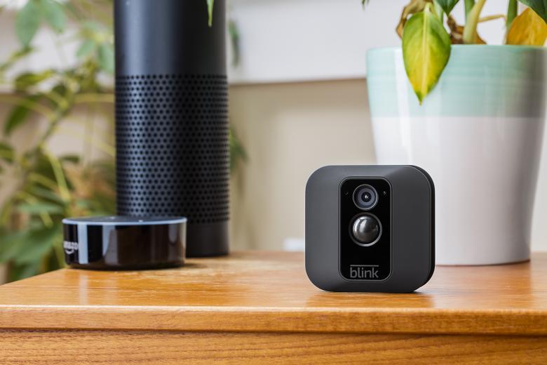 Blink Kameras sind aktuell leider nur in Kombination mit einem amerikanischen Amazon-Konto Alexa steuerbar