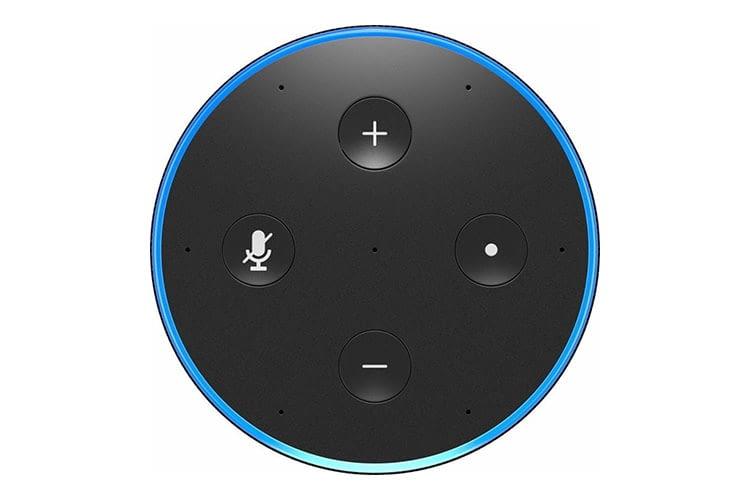 Wird die Stumm-Taste 30 Sekunden lang gedrückt, sucht der Echo-Lautsprecher nach einem Firmware-Update