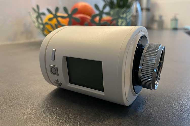 Das im SMART HOME by hornbach Test verwendete EUROTRONIC Spirit Z-Wave Plus Thermostat hilft Heizkosten sparen