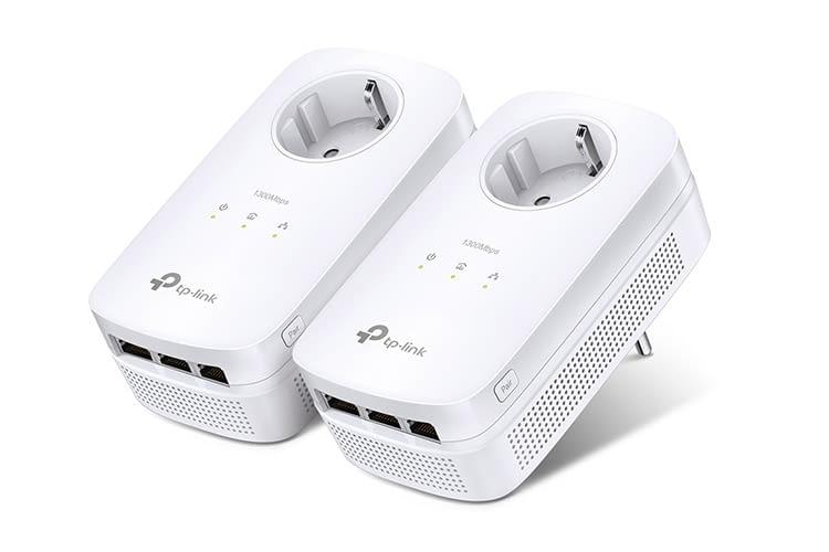 Das TP-Link 8030P Powerline KIT überzeugt mit drei integrierten Gigabit LAN-Steckplatzen je Adapter