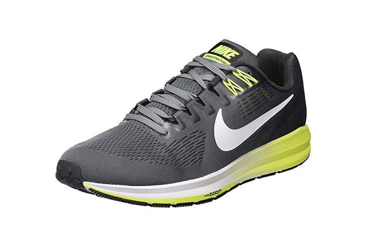 Der Nike Air Zoom Structure 21 ist leicht am Fuß