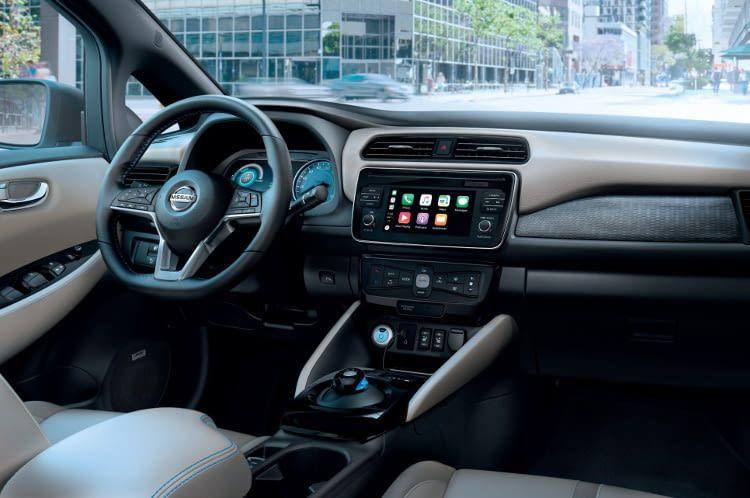 Innen gestaltet sich der 2018er Nissan Leaf wieder konventioneller als sein Vorgänger.