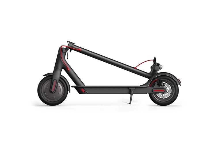 Der Elektro-Roller ist faltbar und eignet sich gut zum Transport in öffentlichen Verkehrsmitteln