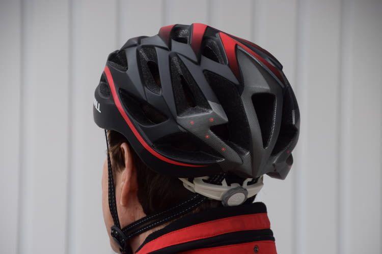 Beim Praxistest saß der Helm bequem und ließ sich einfach bedienen