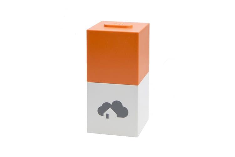 Der graue Basis Cube kann mit weiteren ergänzt werden (hier z.B. mit dem ZigBee-Modul)