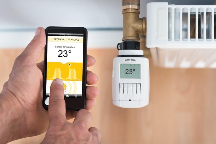 Die meisten smarten Thermostate können per Smartphone gesteuert werden