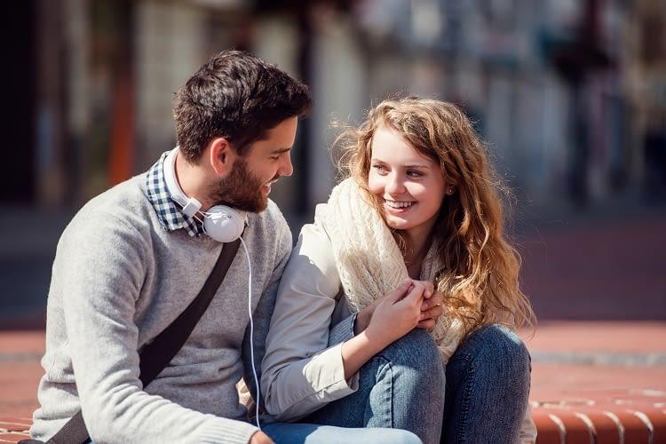 Siri liefert Anmachtsprüche und berät auch in heiklen Beziehungsfragen