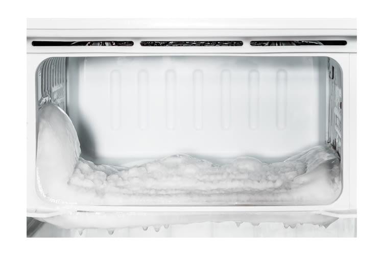 Mit einer No-Frost-Funktion entstehen nie wieder solche Eisklumpen