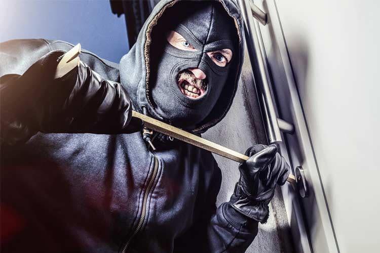 Funk Alarmanlagen reagieren sofort, wenn sich jemand an der Tür zu schaffen macht