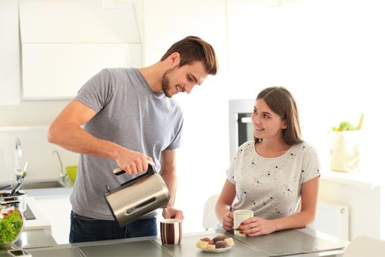 Für kleine Haushalte reicht oft sogar ein 1,0 l-Wasserkocher