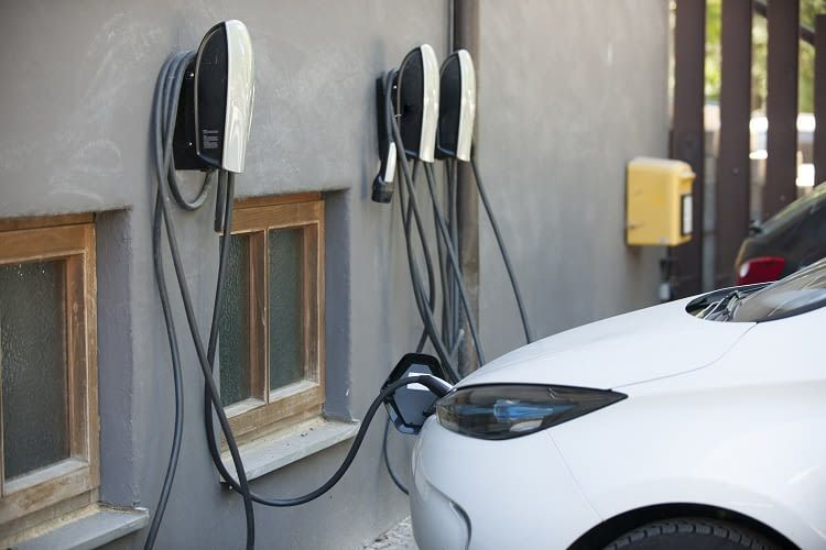 Die Ladestation zu Hause - ein Anschluss für das Elektroauto in der Garage muss her!