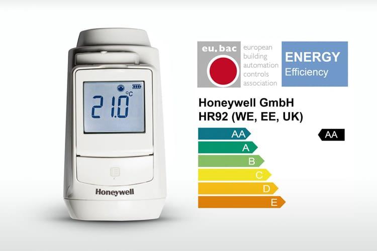 Der elektrische Honeywell evohome Heizkörperregler entspricht der AA Klassifikation