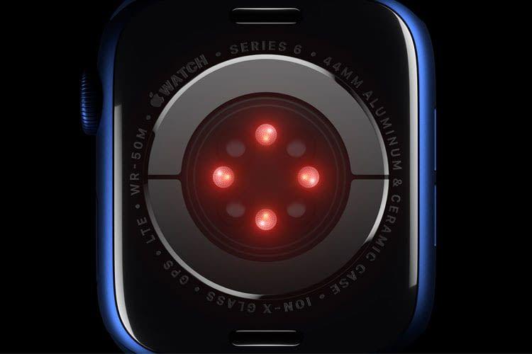 Die größte Neuerung der Apple Watch Series 6 ist der Sensor zur Blutsauerstoffmessung auf der Unterseite vom Gehäuse
