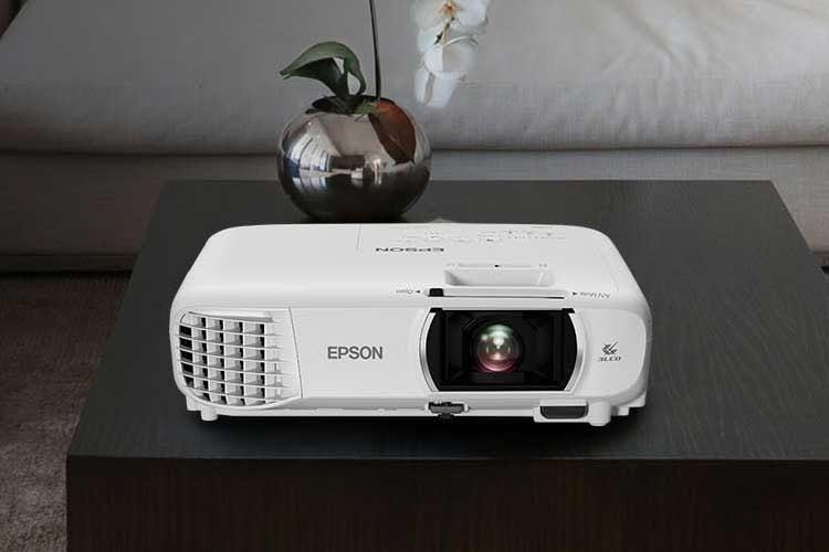 Epson EH-TW750 projiziert kräftige Farben dank 3LCD-Technologie