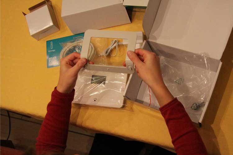 Unboxing vor dem Test: die innogy SmartHome-Zentrale und Komponenten