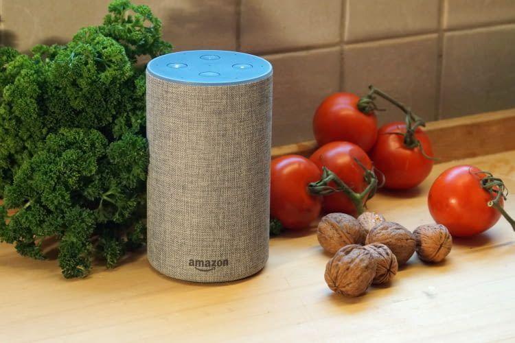 Mit Alexa Befehlen lässt sich die Songsauswahl auch dann ändern, wenn man beim Kochen alle Hände voll zu tun hat