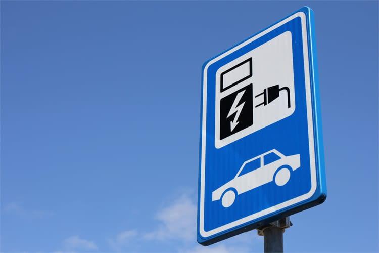 Noch ein Problem: Die fehlende Infrastruktur zum Laden der E-Autos