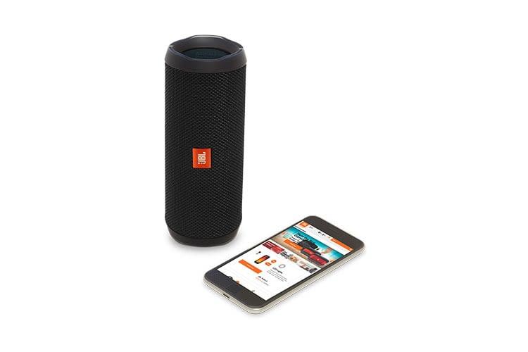 JBL Flip 4 lässt sich per App mit anderen JBL-Lautsprechern verbinden