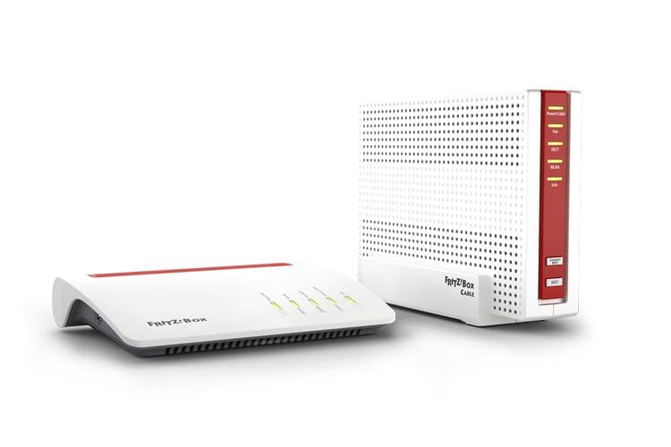 Links ist die VDSL/DSL Variante zu sehen, rechts die FRITZ!Box für Kabel-Nutzer