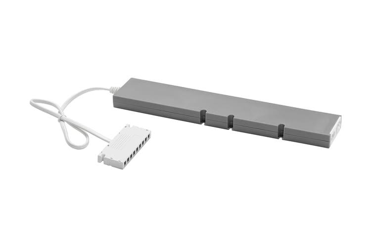 Für beide Treiber sind verschiedene Anschluss- und Verbindungskabel erhältlich