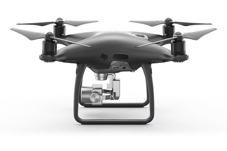 Die DJI PHANTOM 4 PRO+ V2.0 Drone richtet sich an Drohnenflug-Semi-Profis und -Experten